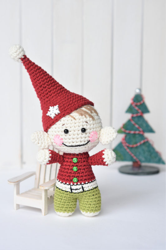 little-christmas-elf-amigurumi-free-pattern-2021