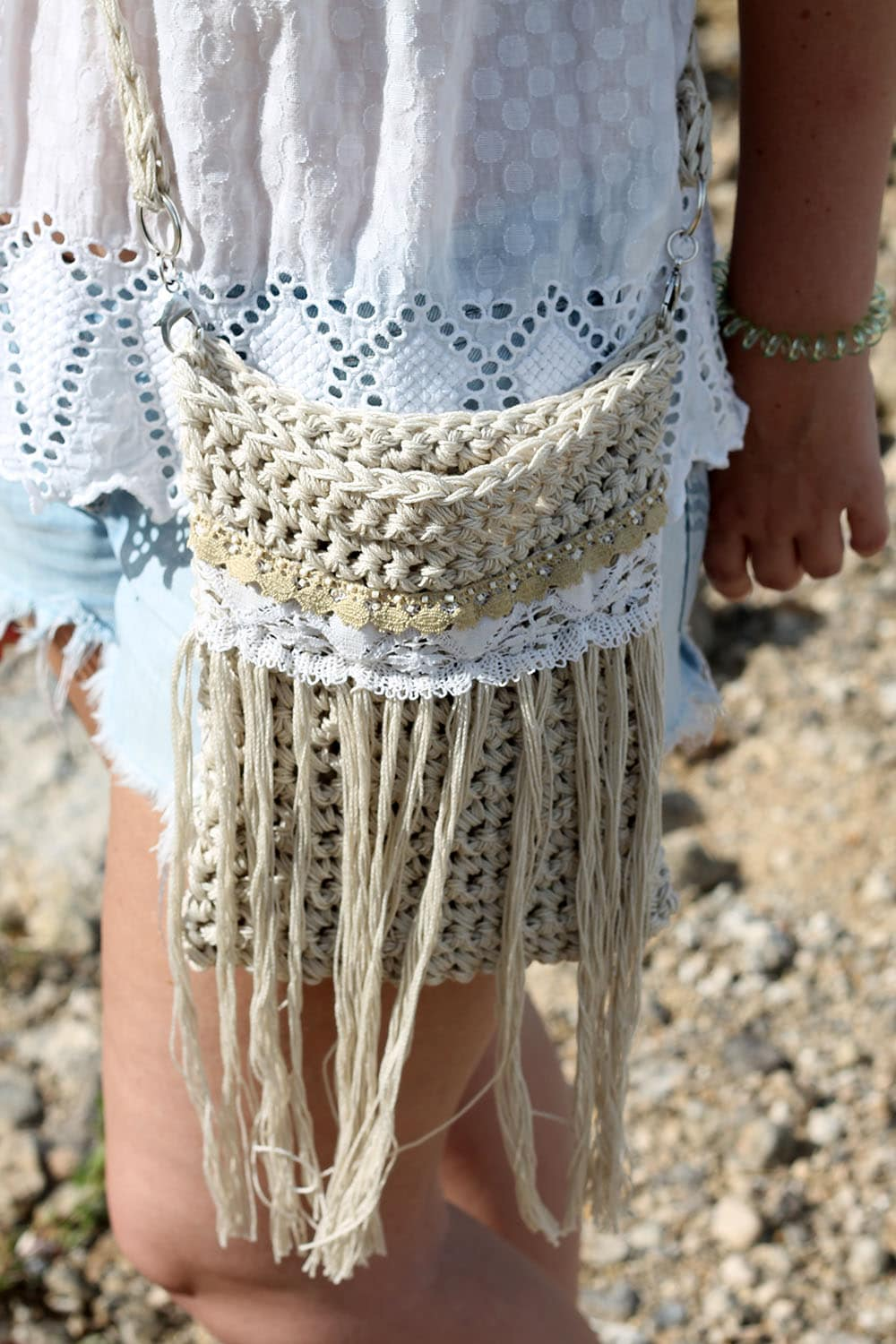 30-adorable-design-ideas-for-crocheted-hand-bags-new-2019